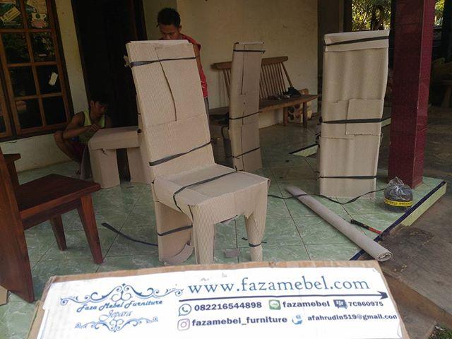 kursi-makan-trembesi-suar-mewah
