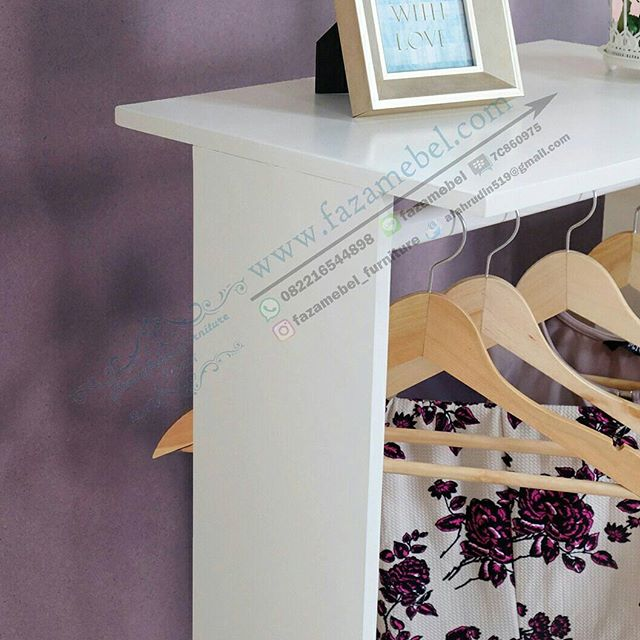 lemari-gantungan-baju-Wardrobe Minimalis-terbaru