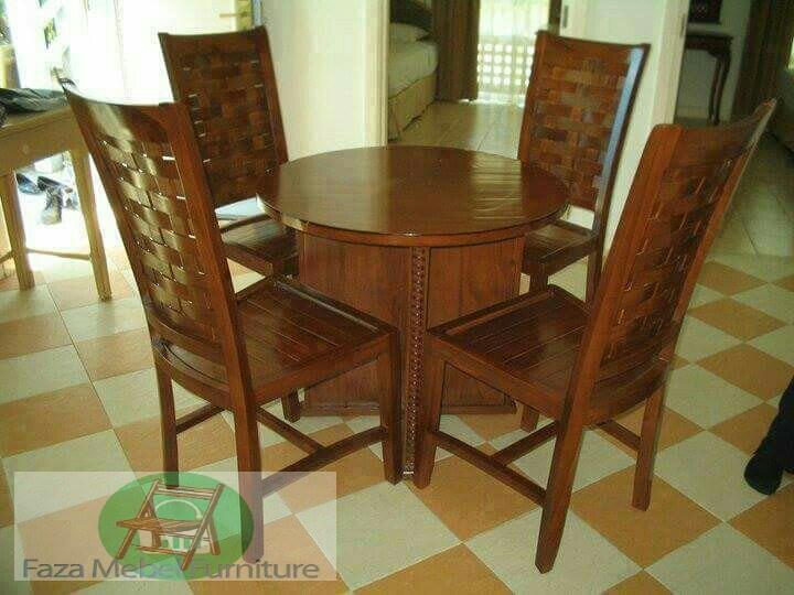 "<Img src = ""set-kursi-makan-ukir- minimalis-k4.jpg"" alt = ""Kursi Makan Ukir Minimalis Bambu Anyam"" />"
