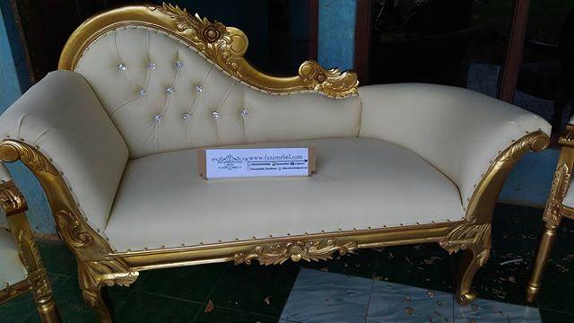 set-kursi-pelaminan-pengantin-terbaru
