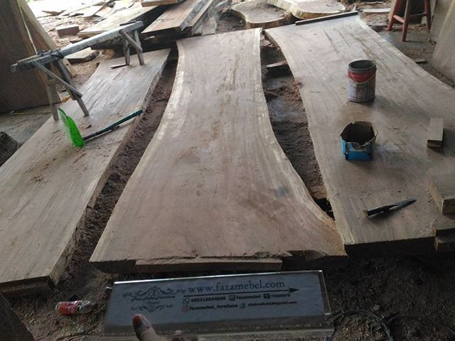 lembaran-furniture-kayu-trembesi-2018