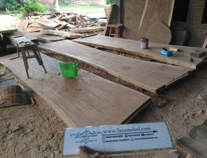 Lembaran Furniture Kayu Trembesi