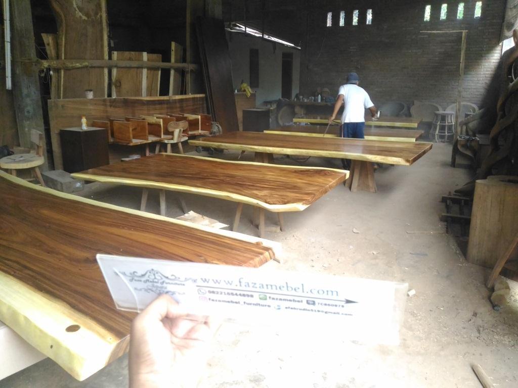 meja-kayu-trembesi-solid-1